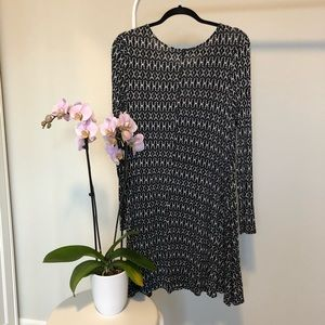 Old Navy Dresses - EUC | Old Navy Black & White A-Line Dress